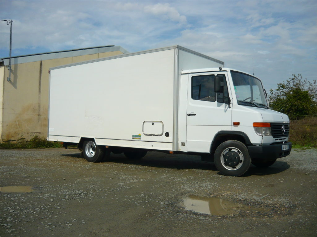 Mercedes 814 Vario magasin
