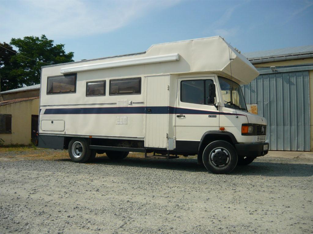 Mercedes 711 Vasp caravane