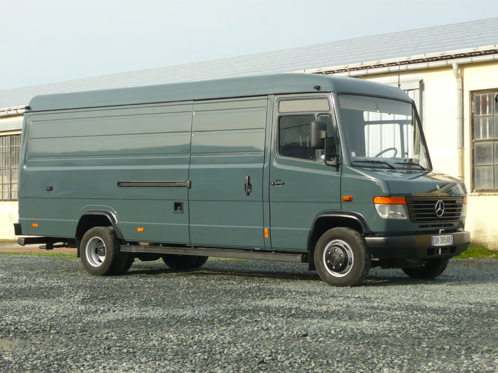 Mercedes 512 Vario 6m VL 4 places