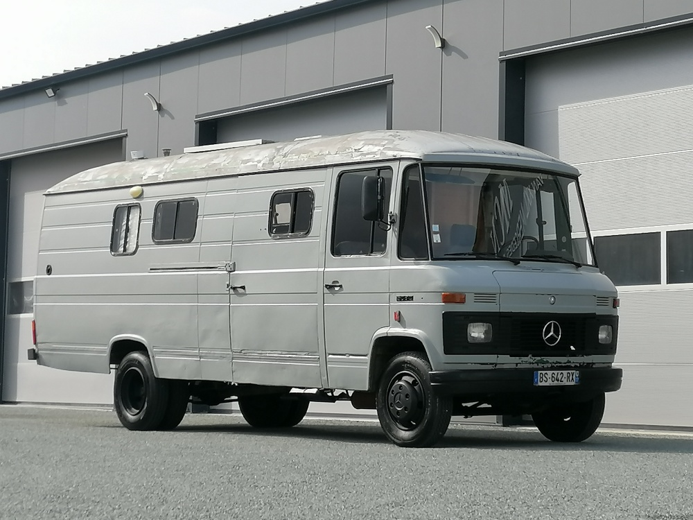 Mercedes 508D rallongé réhaussé aménagé