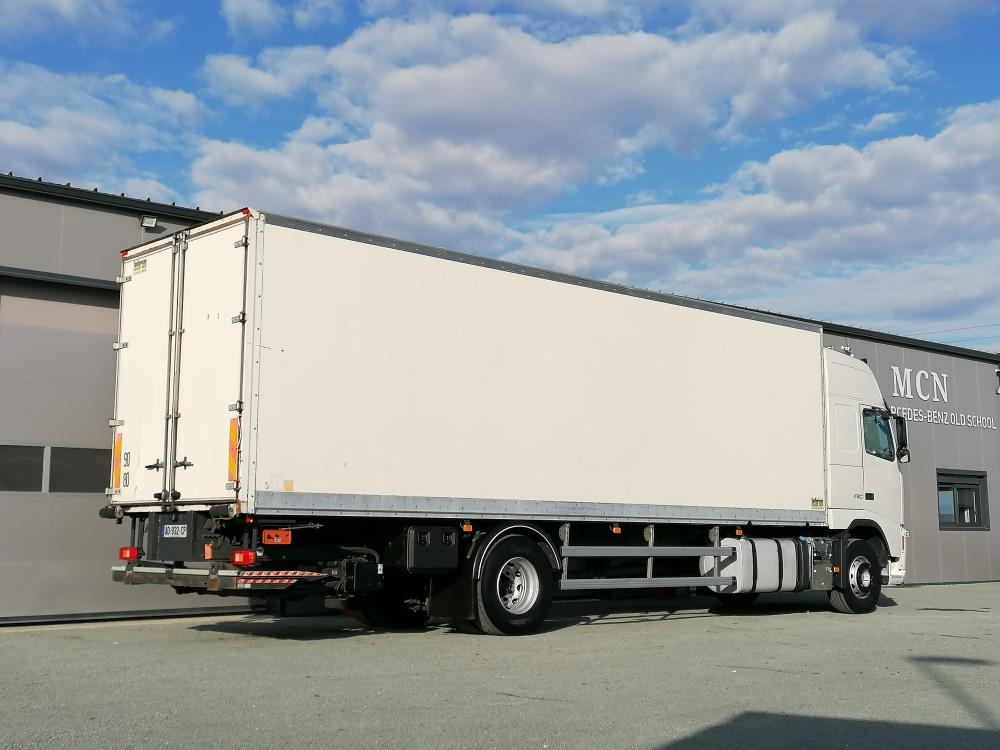 Volvo FH12 caisse 60 m3 420