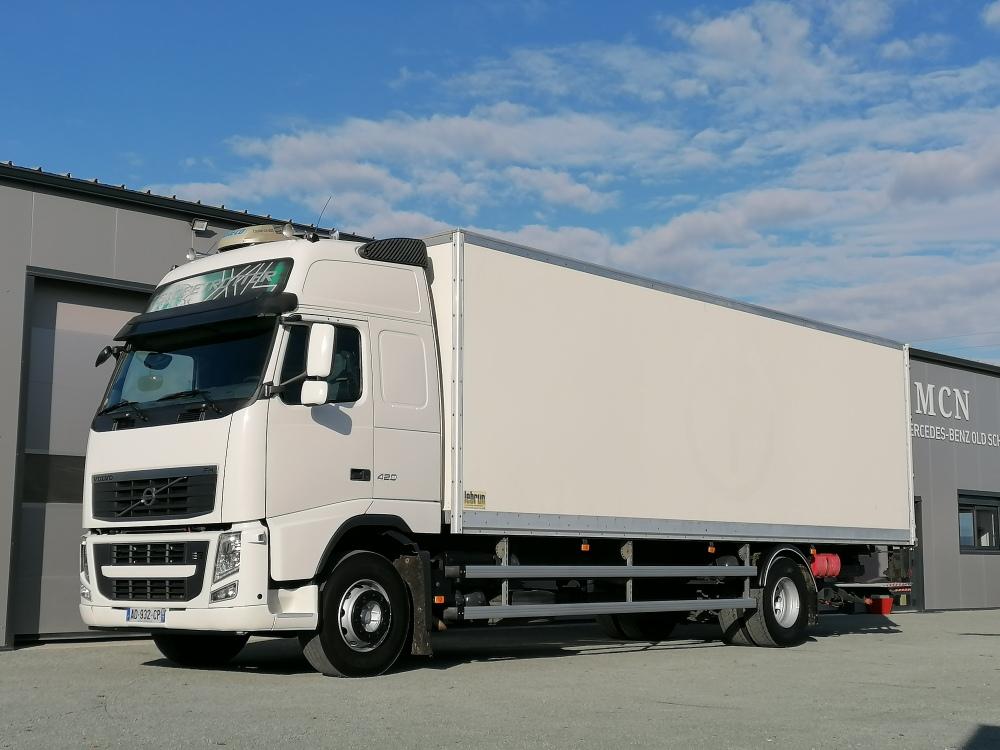 Volvo FH12 caisse 60 m3
